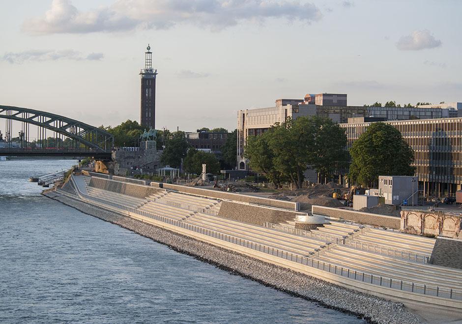 Rhein-Boulevard